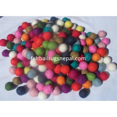 https://feltballrugsnepal.com/100-thickbox_default/1000-pieces-15cm-mixed-color-felt-balls.jpg