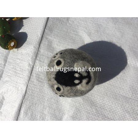 https://feltballrugsnepal.com/1003-thickbox_default/felt-dryer-or-laundry-balls-7cm.jpg