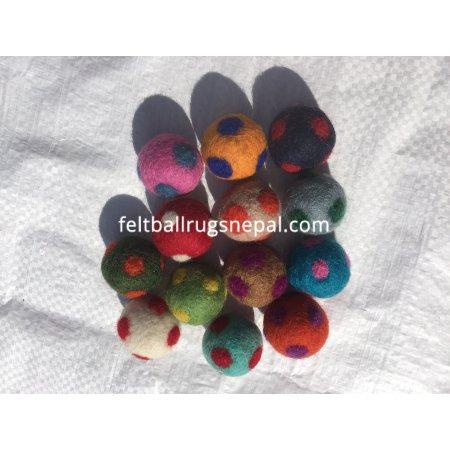 https://feltballrugsnepal.com/1012-thickbox_default/2cm-polka-felted-dot-felt-balls.jpg