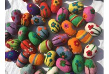 100 Pieces Needle Felted Eggs Balls (6-7 cm long)