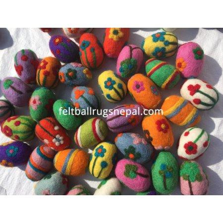 https://feltballrugsnepal.com/1015-thickbox_default/needle-felted-eggs-balls-6-7-cm-long.jpg