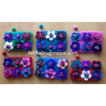 https://feltballrugsnepal.com/155-thickbox_default/6-pieces-felt-flower-design-purse-.jpg