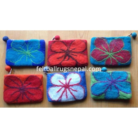 https://feltballrugsnepal.com/158-thickbox_default/6-pieces-felt-beth-flower-design-purse-.jpg