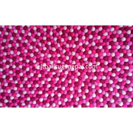 https://feltballrugsnepal.com/171-thickbox_default/raspberry-round-felt-ball-rug.jpg