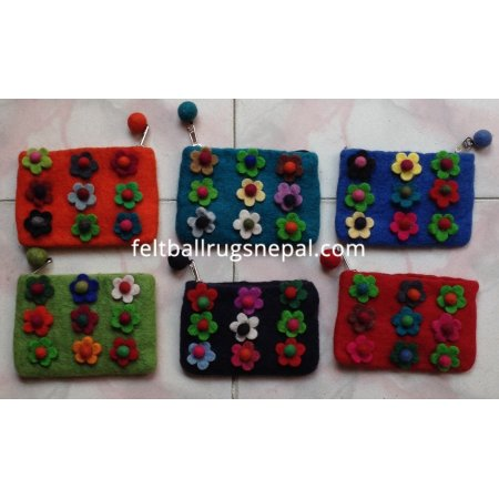 https://feltballrugsnepal.com/180-thickbox_default/6-pieces-nine-flower-coin-purse-.jpg