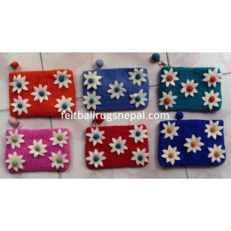 https://feltballrugsnepal.com/181-thickbox_default/6-pieces-felt-five-star-coin-purse-.jpg