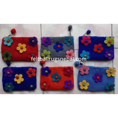 https://feltballrugsnepal.com/182-thickbox_default/6-pieces-felt-five-flower-coin-purse-.jpg