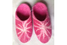 Beth flower design felt slipper