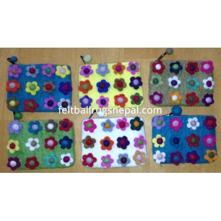 https://feltballrugsnepal.com/190-thickbox_default/6-pieces-felt-twelve-flower-purse-.jpg