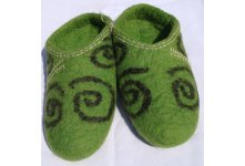 Felt green colored slipper