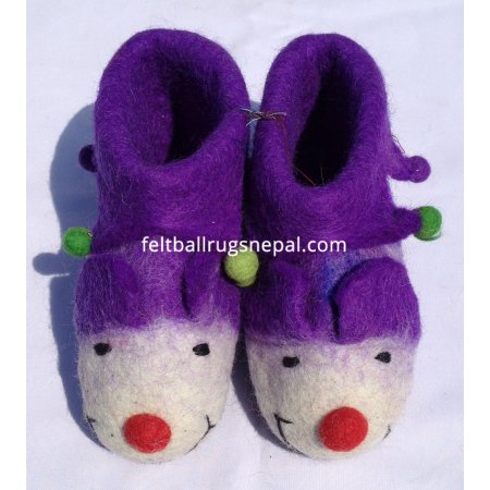 https://feltballrugsnepal.com/200-thickbox_default/felt-monkey-design-shoes.jpg