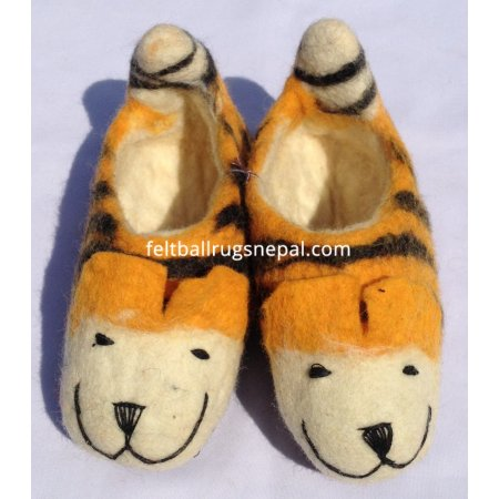 https://feltballrugsnepal.com/201-thickbox_default/felt-tiger-design-shoes.jpg