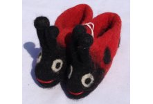 Felt ladybug design new born baby shoes