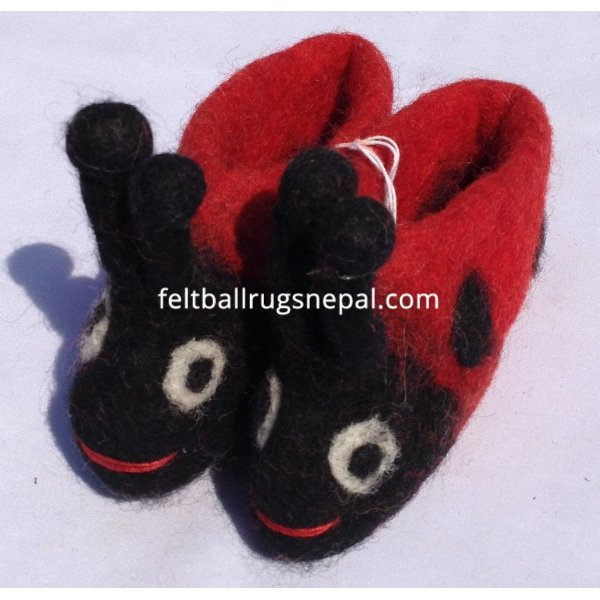 Felt ladybug design new born baby shoes wholesale from Nepal ...