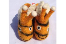 Felt honey bee design new born baby shoes
