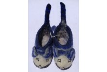 Felt tiger tail blue colored baby shoes