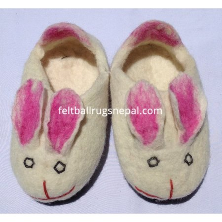 https://feltballrugsnepal.com/259-thickbox_default/felt-rabbit-design-white-shoes.jpg