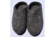 Felt natural colored slipper