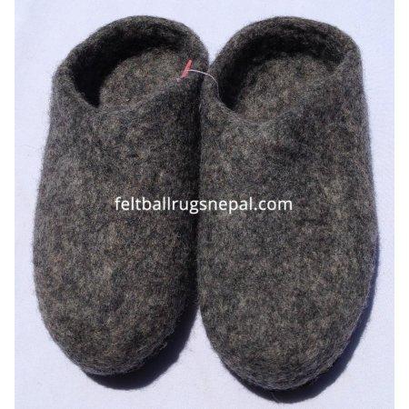 https://feltballrugsnepal.com/266-thickbox_default/felt-natural-colored-slipper.jpg