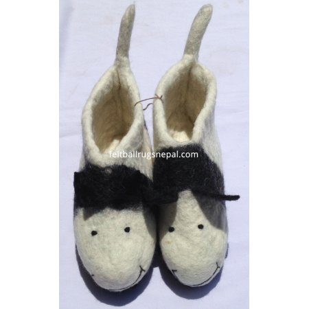 https://feltballrugsnepal.com/272-thickbox_default/felt-cow-design-shoes-.jpg