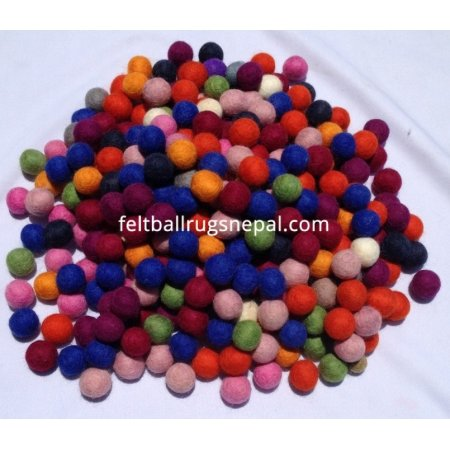 https://feltballrugsnepal.com/286-thickbox_default/1cm-1000-pieces-mix-color-felt-ball.jpg