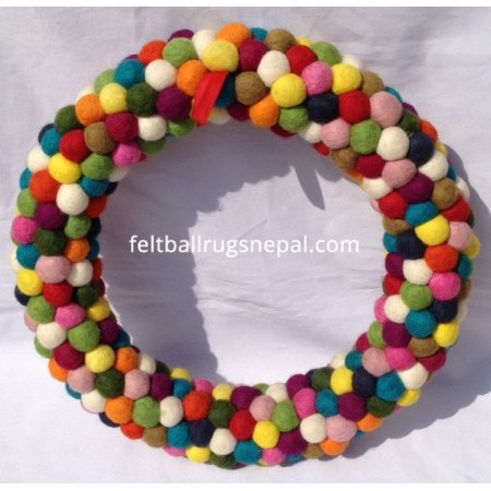https://feltballrugsnepal.com/303-thickbox_default/40cm-felt-ball-wreath.jpg