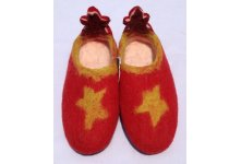 Felt star adult shoes