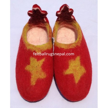 https://feltballrugsnepal.com/308-thickbox_default/felt-star-adult-shoes.jpg