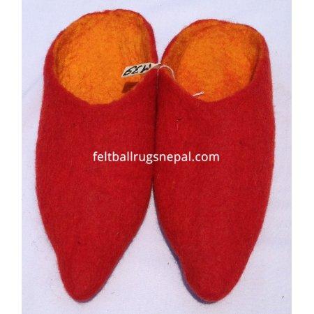 https://feltballrugsnepal.com/323-thickbox_default/red-colored-felt-slipper.jpg