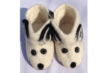 White bear design felt shoes