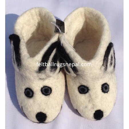 https://feltballrugsnepal.com/344-thickbox_default/white-bear-design-felt-shoes.jpg