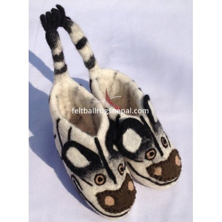 https://feltballrugsnepal.com/348-thickbox_default/felt-zebra-design-shoes.jpg