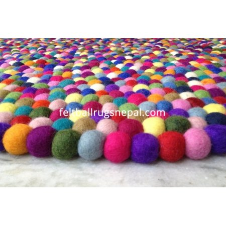 https://feltballrugsnepal.com/373-thickbox_default/beautiful-multicolored-felt-ball-rugs.jpg