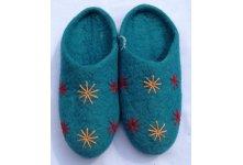 Felt crochet flower slipper