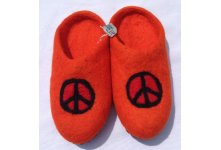 Felt peace mark design slipper