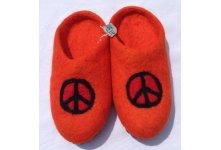 Felt peace mark design slipper