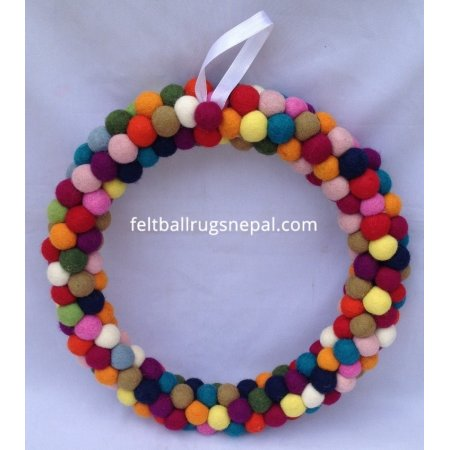 https://feltballrugsnepal.com/398-thickbox_default/35cm-felt-ball-wreath.jpg