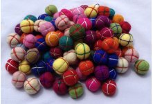 1000 Pieces 2cm Felt Hand Knitted Balls