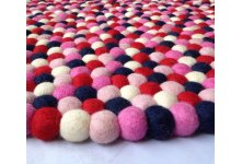 Felt ball rug in five color combination