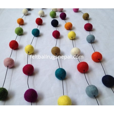 https://feltballrugsnepal.com/459-thickbox_default/200cm-multicolored-felt-ball-garland.jpg