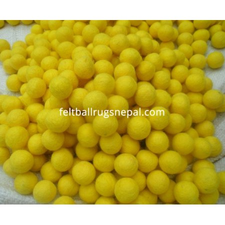 https://feltballrugsnepal.com/50-thickbox_default/1000-peaces-2cm-yellow-color-felt-balls.jpg
