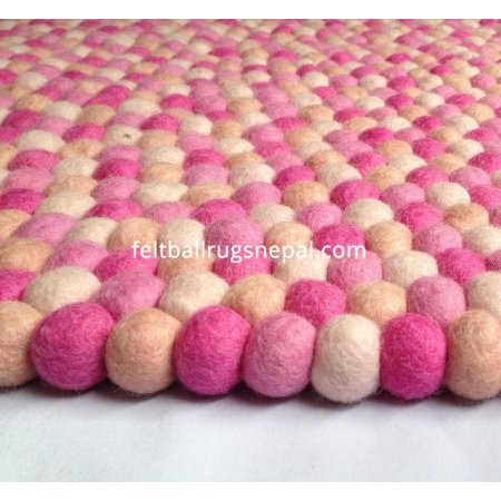 https://feltballrugsnepal.com/510-thickbox_default/soft-color-felt-ball-rug.jpg