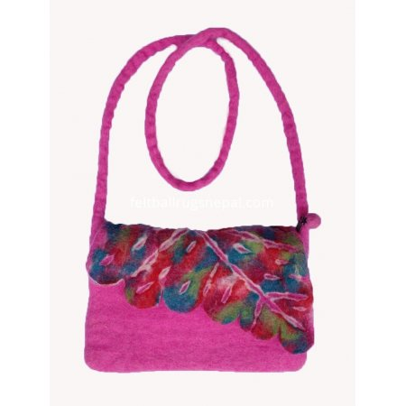https://feltballrugsnepal.com/617-thickbox_default/felt-magenta-children-cutting-bag.jpg