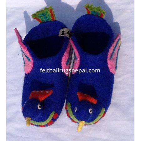 https://feltballrugsnepal.com/681-thickbox_default/felt-bird-design-shoe.jpg
