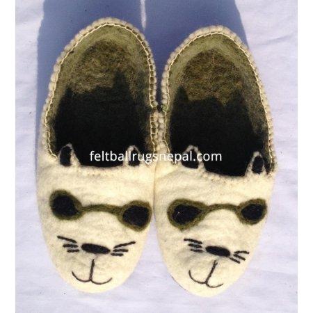 https://feltballrugsnepal.com/684-thickbox_default/felt-new-cat-design-shoe.jpg