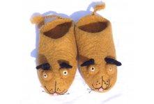 Felt brown dog faced slipper