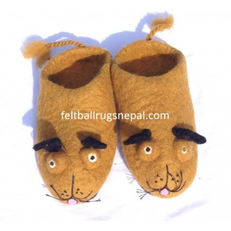 https://feltballrugsnepal.com/689-thickbox_default/felt-brown-dog-faced-slipper.jpg