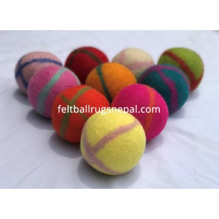 https://feltballrugsnepal.com/881-thickbox_default/8cm-cross-line-felt-ball.jpg