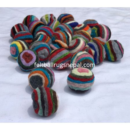 https://feltballrugsnepal.com/885-thickbox_default/1000-pieces-felt-swirl-ball.jpg