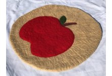 Apple Felt Seat Mat